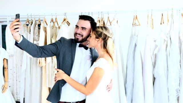 6eb8e35d8d Promesas De Matrimonio - Banco de vídeos libres de derechos - iStock