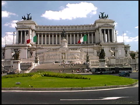 Rome Traffic and Monument of Vittorio Emanuele II: Italy video