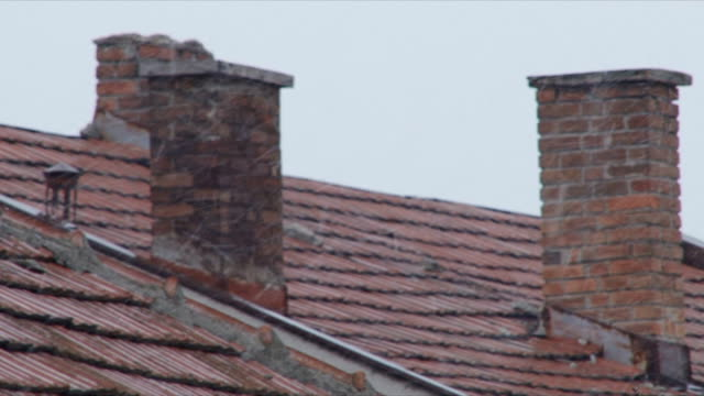 stockvideo's en b-roll-footage met roof - schoorsteen