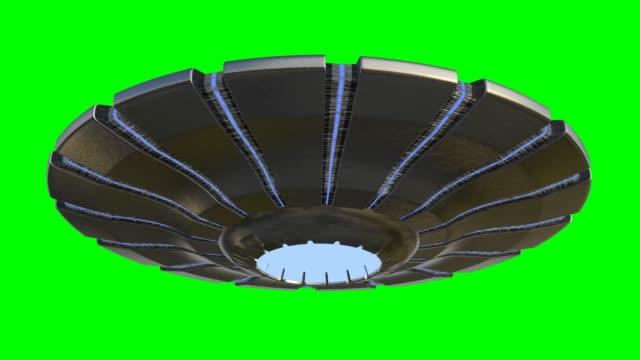 ufo、地球外の訪問者と回転飛行円盤、緑の画面の背景に隔離されたエイリアン宇宙船、4kループ - ソーサー点の映像素材/bロール