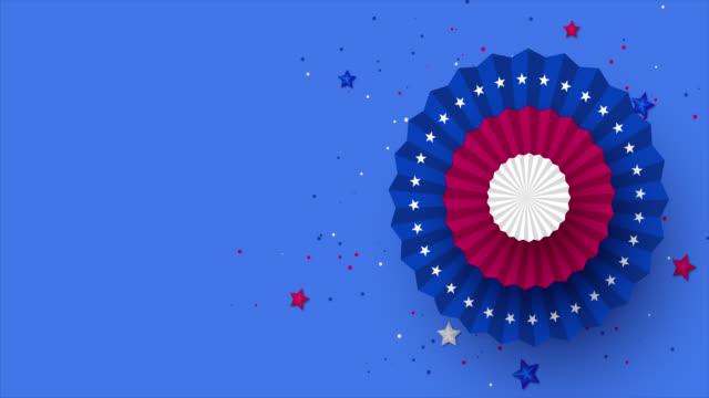vídeos y material grabado en eventos de stock de diversión de papel giratorio en colores de la bandera americana. - happy 4th of july