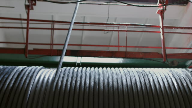 Rotating winch drum with metal rope video