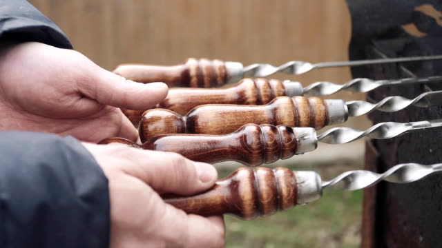 Rotation of wooden lacquered skewer