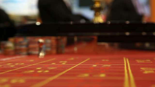 Roulette table video