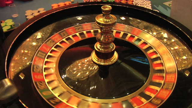 Roulette Wheel and Lucky 13 video