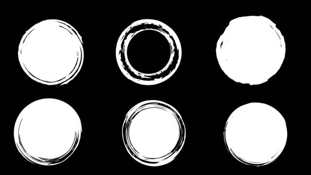 stockvideo's en b-roll-footage met ronde vlekken van verf zijn beschilderd met een kwast. - halftint
