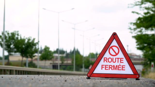 Route Fermée (Road Closed) - Traffic Sign - French