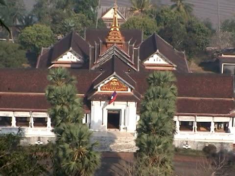 königspalast, luang prabang, laos - indochina stock-videos und b-roll-filmmaterial