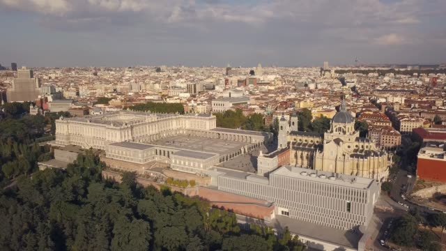 royal palace of madrid - madrid video stock e b–roll