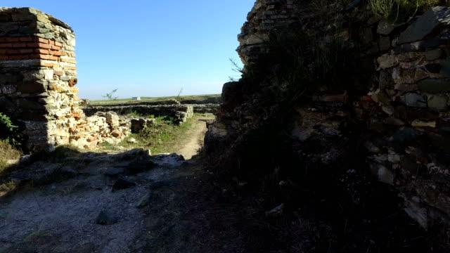 ruins of histria fortress romania - męczennik filmów i materiałów b-roll