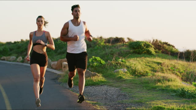 함께 실행 하면 실행 재미 있을 수 있다 - wellness 스톡 비디오 및 b-롤 화면