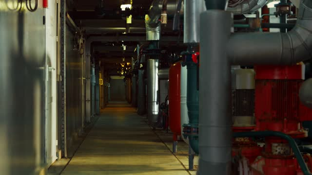 Running light through the compartments of the dark corridor