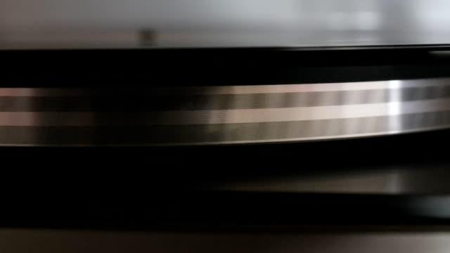 running old gramophone video