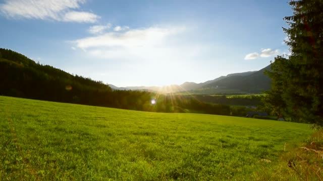 vídeos de stock, filmes e b-roll de paisagem rural em steiermark, áustria - áustria