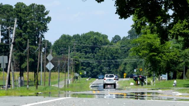 vidéos et rushes de vague de chaleur pour le trafic route rurale - canicule