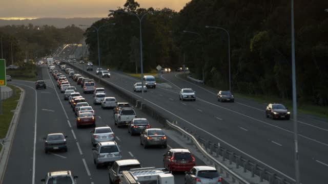rush hour highway traffic jam - 4k - traffic filmów i materiałów b-roll