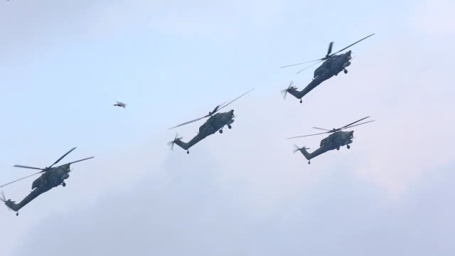 Russian helicopters for military exercises video