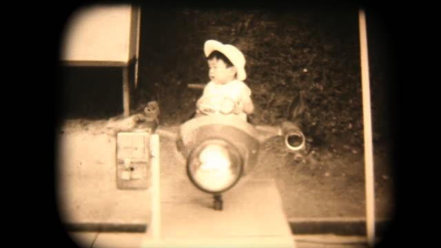 60 年代の 8 mm 映像 - アミューズメント パーク - レトロ調点の映像素材/bロール