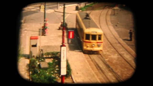 60 年代の 8 mm 映像 - 公共交通機関 - 古風点の映像素材/bロール