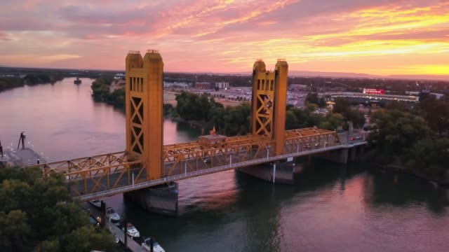 Sacramento Tower Bridge 360 Wrap Around