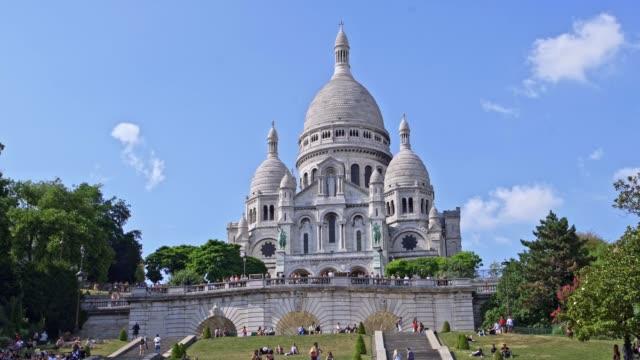 sacre coeur, montmartre paris - montmatre utsikt bildbanksvideor och videomaterial från bakom kulisserna