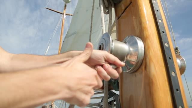 sail boat wooden parts and accessories - ster fragment pojazdu filmów i materiałów b-roll