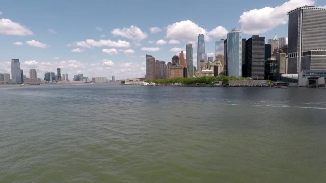 Sailing Into Lower Manhattan video