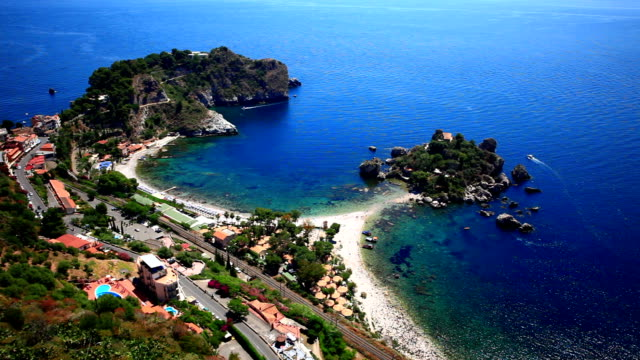 sailing taormina isola bella, elevated view - sicily 個影片檔及 b 捲影像
