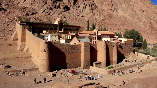 saint catherine monastery. sinai-halbinsel. ägypten - kloster stock-videos und b-roll-filmmaterial