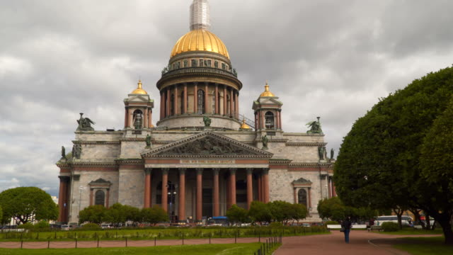 Saint Isaac's Cathedral on Saint Isaac's Square in Saint Petersburg video