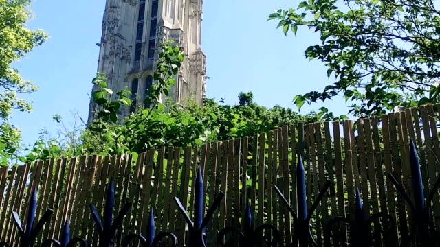saint-jacques church tower paris historic landmark a monument located in the 4th arrondissement of paris, france - jesus christ filmów i materiałów b-roll