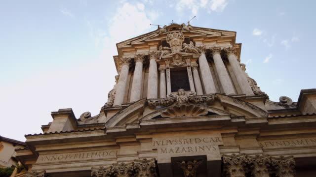 aziz vincent ve anastasio trevi çeşmesi'nde - vatikan şehir devleti stok videoları ve detay görüntü çekimi