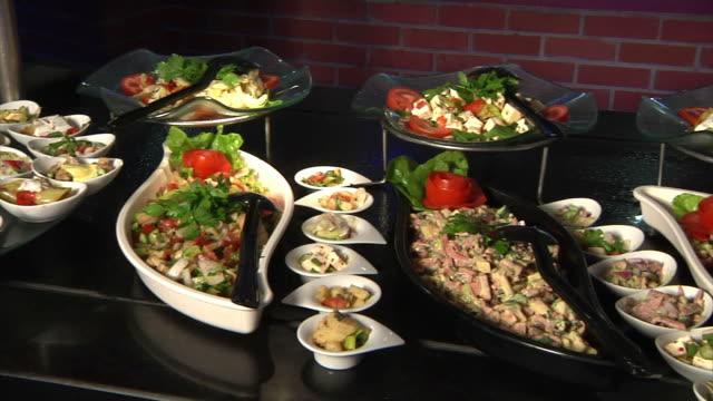 salad bar - buffet video stock e b–roll