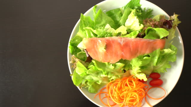 Salad - smoked salmon with vegetables - healthy food video