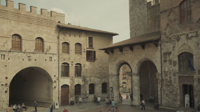 san gimignano, tuscany, in italy - medieval architecture stock videos & royalty-free footage