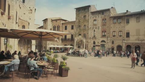 vidéos et rushes de san gimignano, toscane, en italie - italie