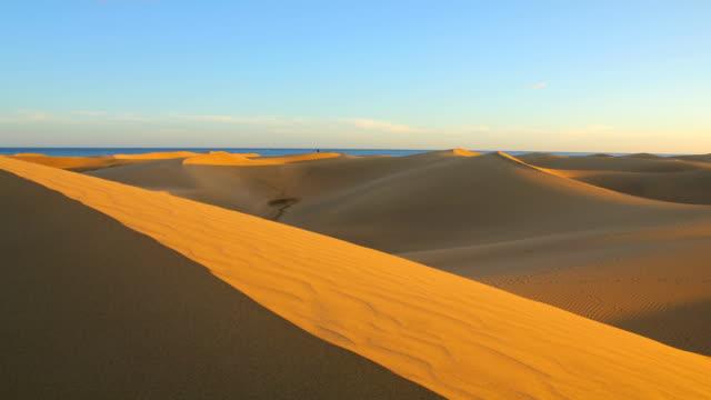 sand dunes at sunset - timelapse video