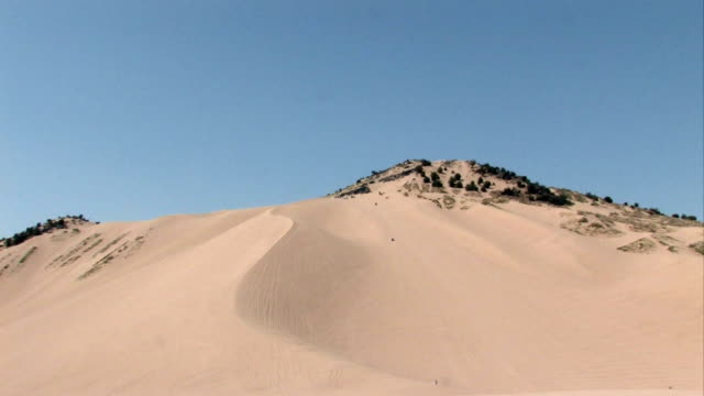 Sand mountain zoom in