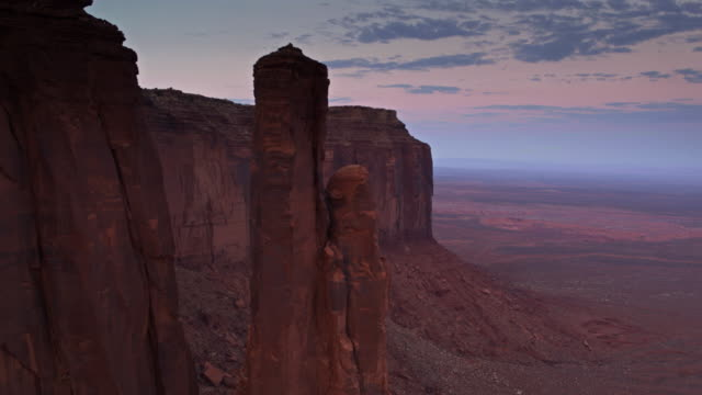 Arenito Pinnacle em Monument Valley - Drone tiro - vídeo