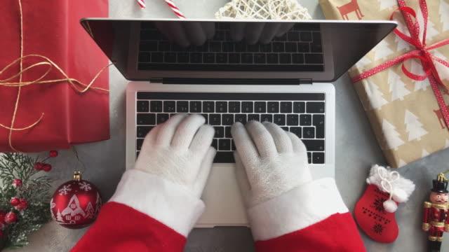 노트북에 산타 클로스 입력 - black friday 스톡 비디오 및 b-롤 화면