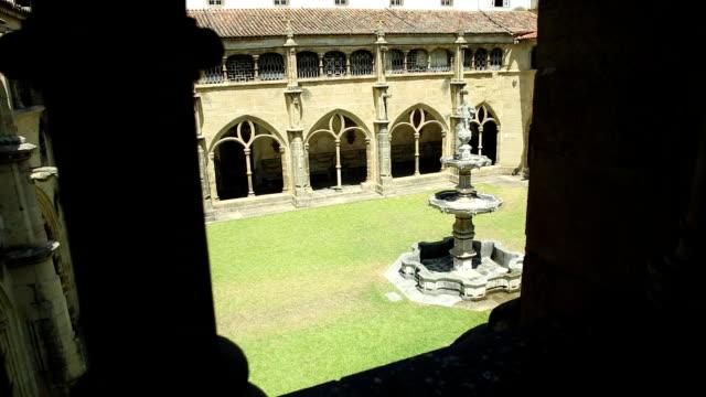 stockvideo's en b-roll-footage met klooster van santa cruz klooster - klooster