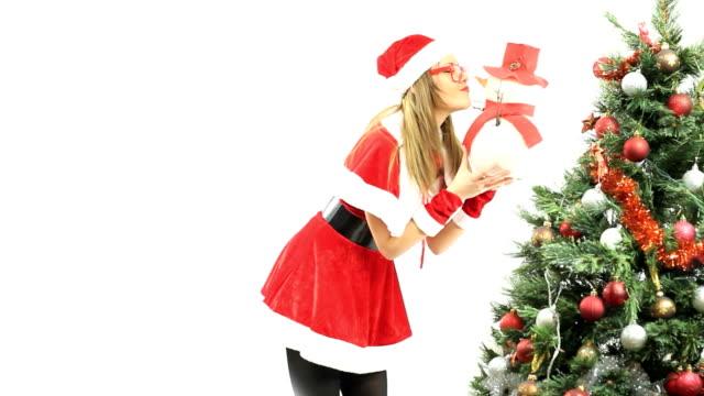 Santa kissing snowman video