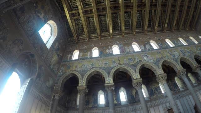 stockvideo's en b-roll-footage met santa maria nuova kathedraal van monreale, sicilia, kluis - mozaïek