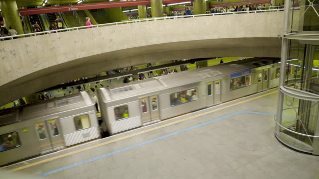 sao paulo u-bahn (metro) - trust stock-videos und b-roll-filmmaterial