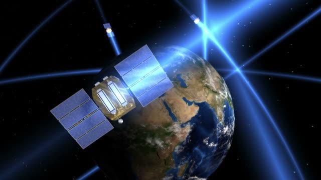 vídeos y material grabado en eventos de stock de gps satelitte constellation - constelación