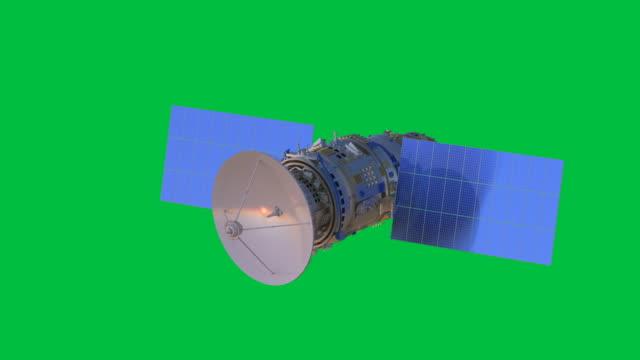 vídeos de stock, filmes e b-roll de antena parabólica isolada - antena parabólica