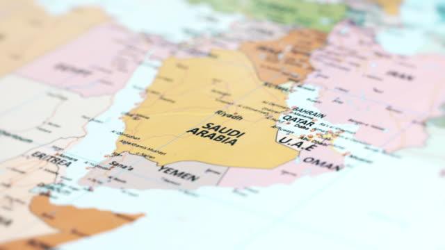 stockvideo's en b-roll-footage met asia saoedi-arabië op wereldkaart - riyad