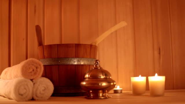 sauna 2 - sauna und nassmassage stock-videos und b-roll-filmmaterial