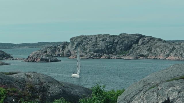 den skandinaviska skärgården sommar tid - bohuslän nature bildbanksvideor och videomaterial från bakom kulisserna