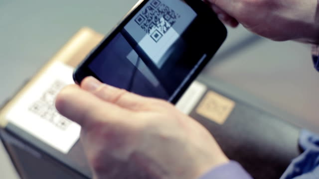 Scanning QR code with smart phone video